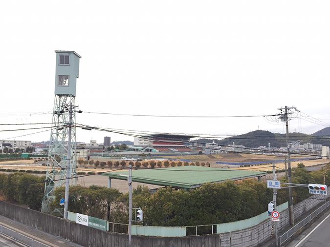 姫路競馬場の地下に巨大導水路トンネルが_8266