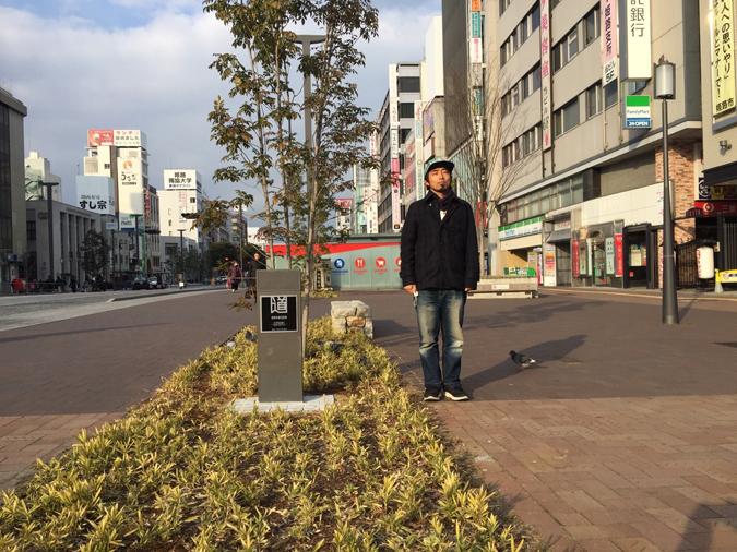 大手前通りに日本の道百選の記念碑ができて_5214