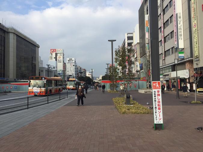 大手前通りに日本の道百選の記念碑ができて_5251