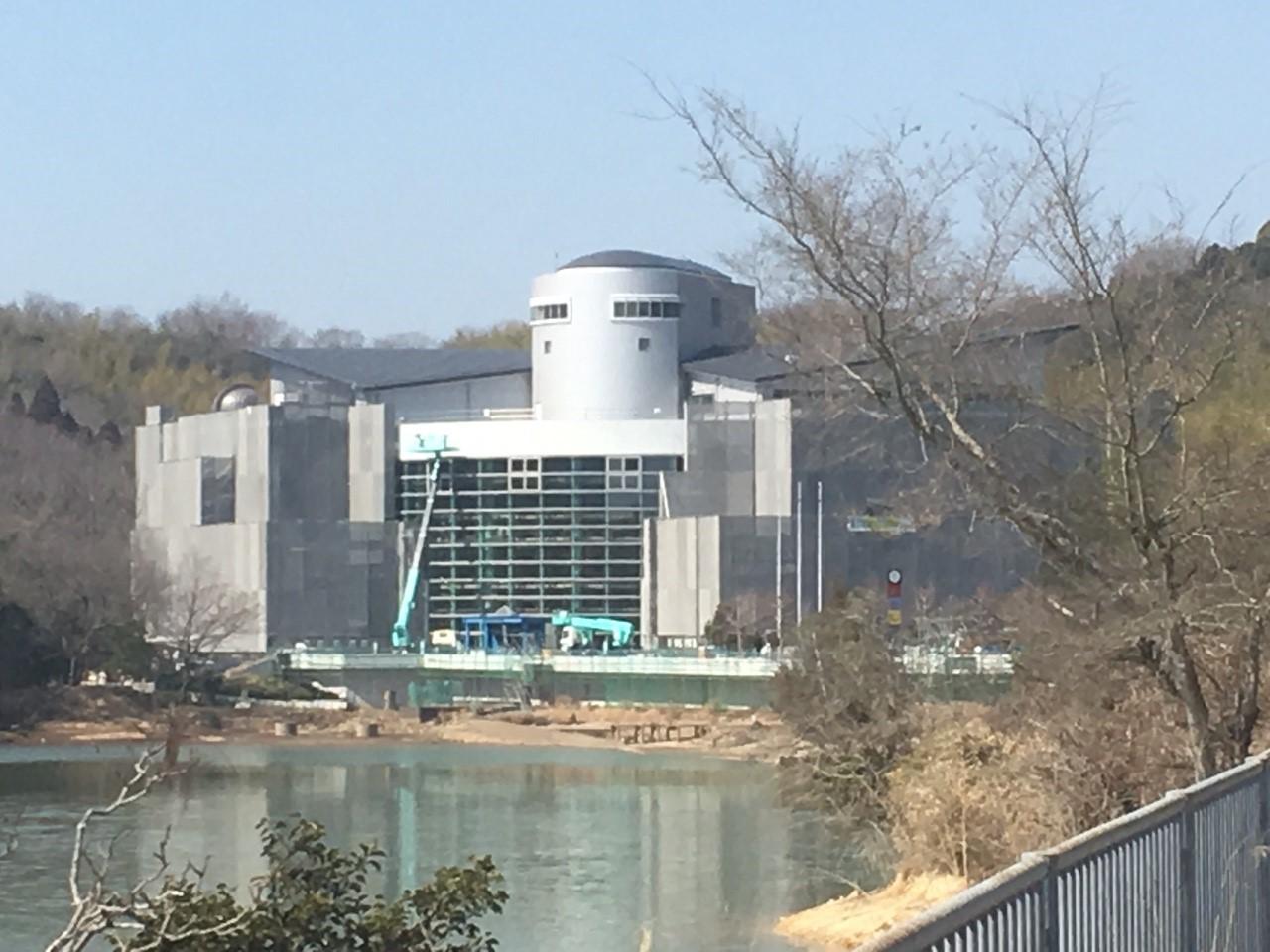 姫路科学館が大規模な改修工事をしている。_8554
