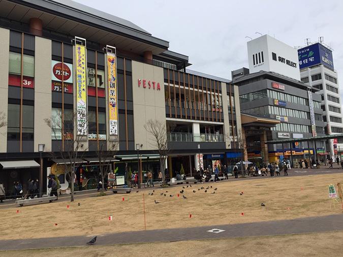 オープン戦があったみたい、姫路駅で横浜の_2836