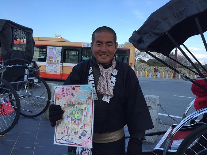 姫路城の人力車おにいさんが丸坊主になって_7294