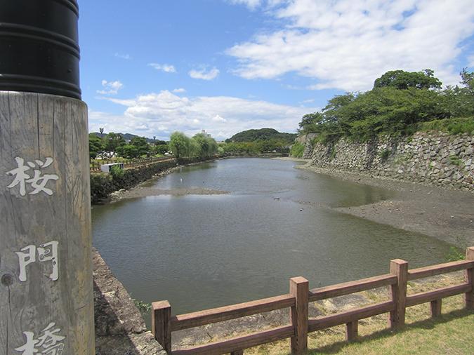 今日の姫路城水位が下がって4