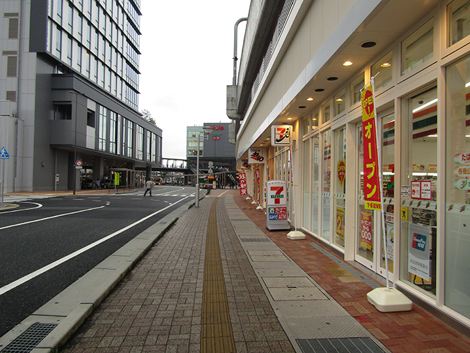 セブンイレブンピオレ姫路店2