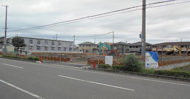 市川ランプ近く中野田にゴダイド...