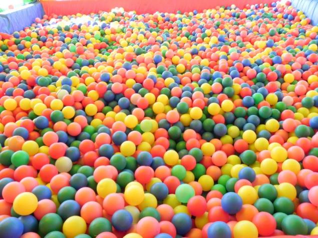 姫路競馬場ボールプール
