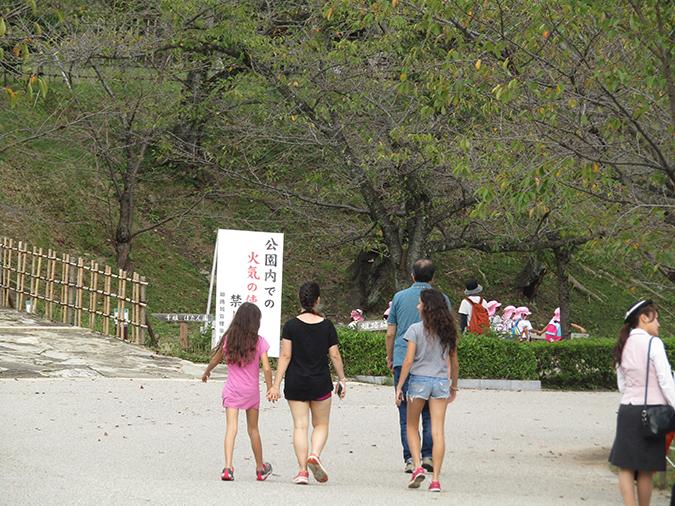 姫路城外国人100万人5