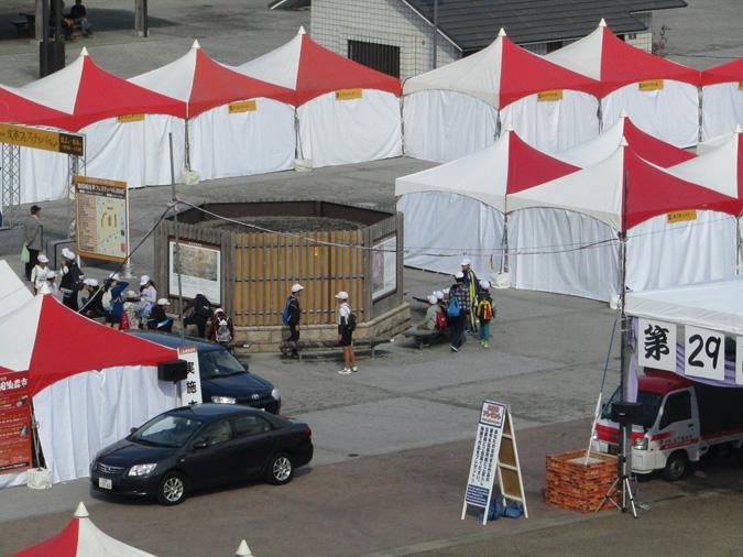 今日の姫路城陶器市6